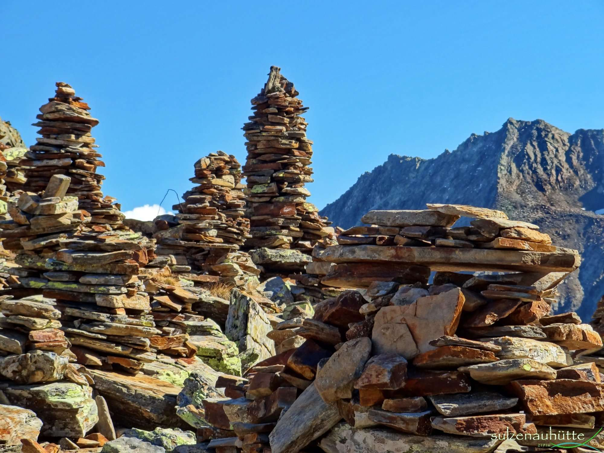 Cairns at Peiljoch - Stubai High Trail