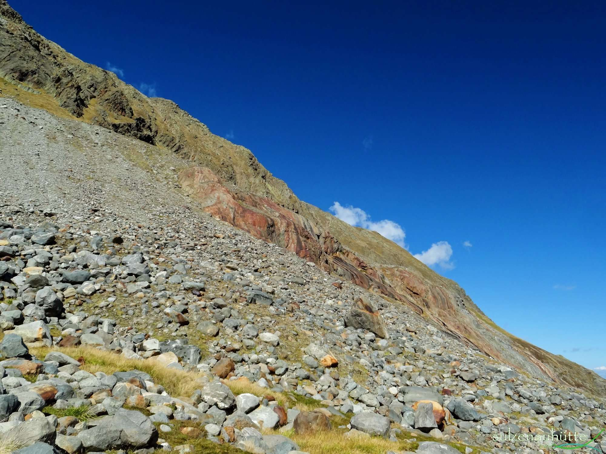 Glacially eroded rocks on Peiljoch trail - Stubai High Trail