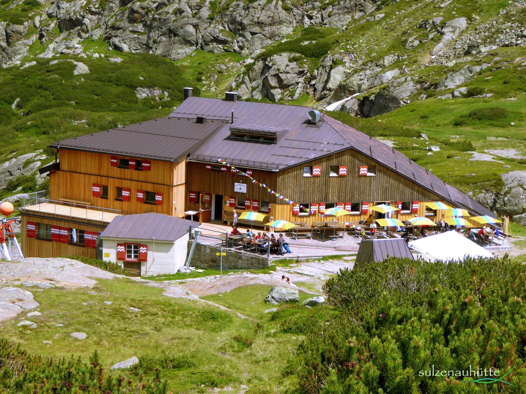 Sulzenau hut, Stubai High Trail